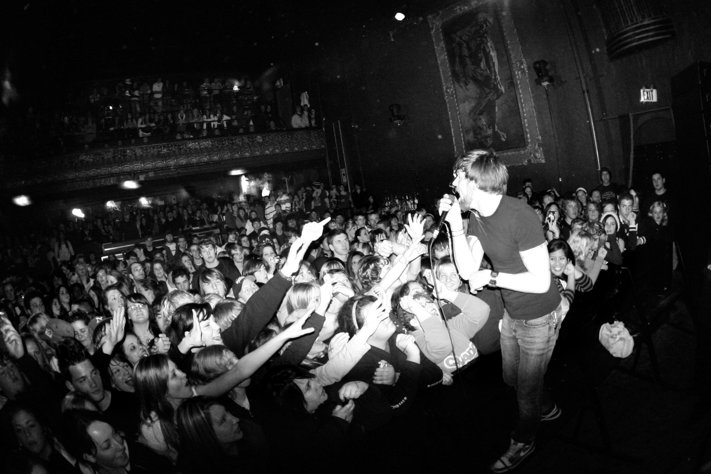 adam_opera_crowd